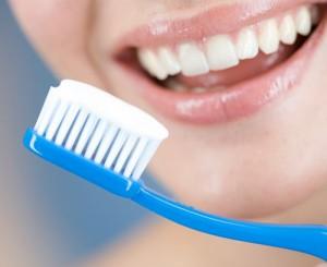 Как фтор влияет на здоровье зубов