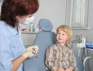 лечить кариес детям