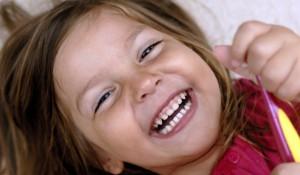 почему крошатся молочные зубы