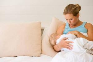 Длительное кормление грудью может вызвать кариес