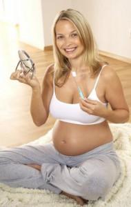Кровоточат десны в период беременности