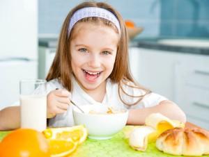 Питание ребенка при смене зубов