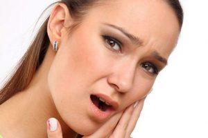Острая зубная боль у человека
