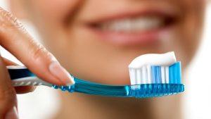 Основные ошибки при уходе за зубами в полости рта