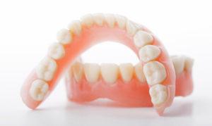 Все основные виды зубных протезов